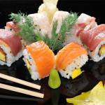 Arcobaleno Maki - Rotoli di tempura con pesce crudo misto