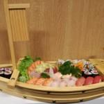 BARCA 43 Barca mista di Sashimi, Nigiri, Uramaki e Hosomaki