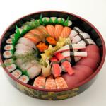 SUSHI GRAN PARTY - 54 pezzi totali: 38 nigiri misti, 8 hosomaki di pesce, 8 hosomaki di verdura