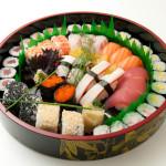 SUSHI STAR - 16 Nigiri, 16 Hosomaki, 4 Sesamo rolls (36 pezzi totali)