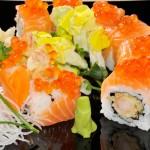 TIGER MAKI - Tempura di gamberi, riso, salmone, uova di salmone